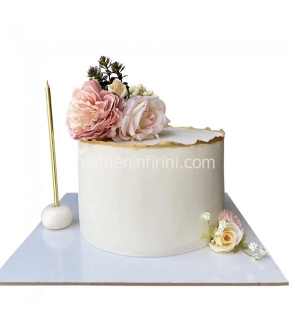 Çiçekli Kutlama Pastası