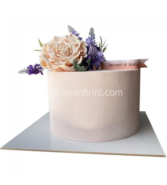 Çiçekli Nişan Pastası 5