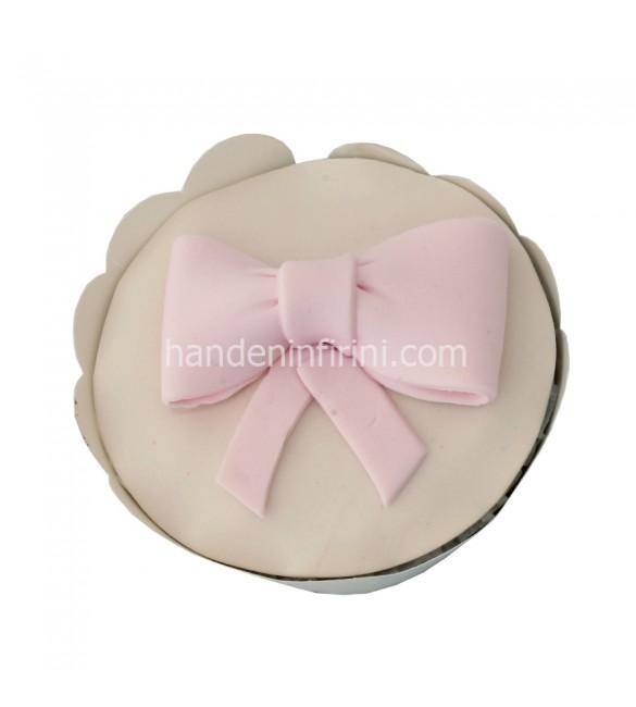 Pembe Kurdele Cupcake