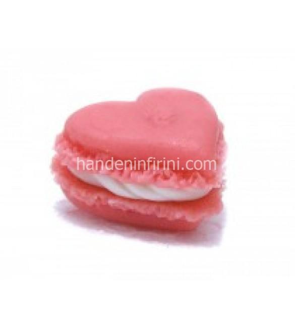 Kalp Macaron Seti